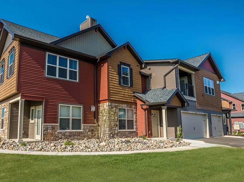 Quarry-Apartments-Lansing-Corporate-Rentals